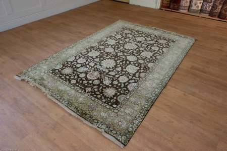 Hand Knotted Royal Taj Wool & Silk Rug From India