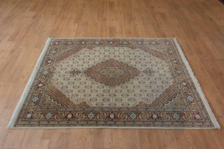 Hand Knotted Mahi Indian Rug From India