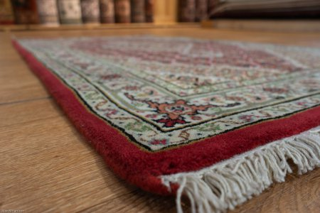 Hand-Knotted Mahi Indian Rug From India