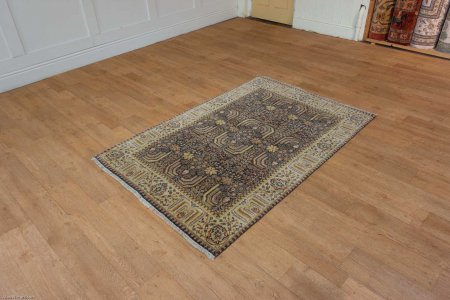 Hand Knotted Agra Rug From India