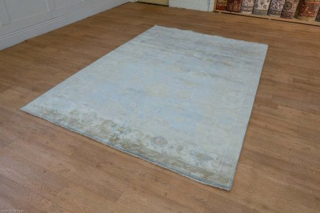 Hand Knotted Oushak Rug From India
