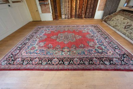 Hand-Knotted Mahal Rug From Iran (Persian)
