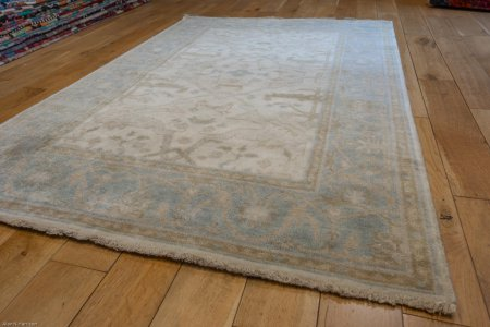 Hand-Knotted Oushak Rug From India